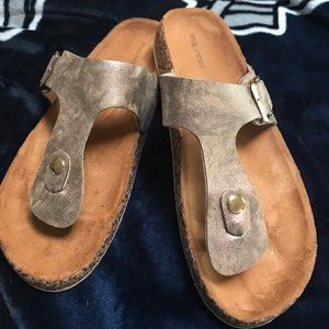 Sandals, new without tags